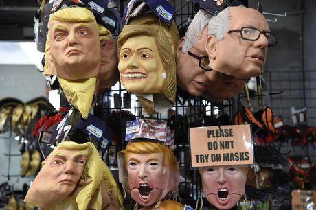 Cac 'thay boi' dang nghieng ve Hillary hay Trump? - Anh 3