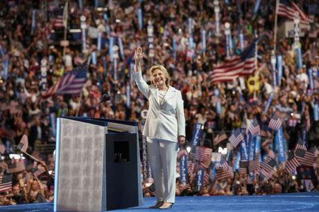 Hillary Clinton va cau chuyen thoi trang qua nhung thang tram - Anh 13