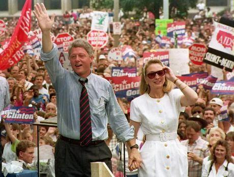Hillary Clinton va cau chuyen thoi trang qua nhung thang tram - Anh 2