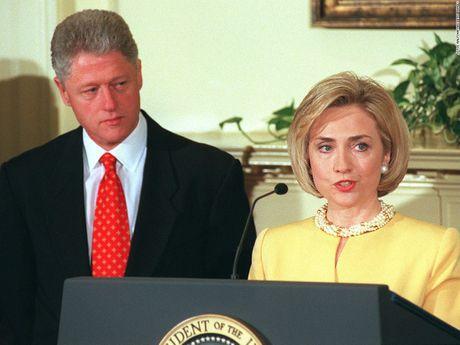Hillary Clinton va cau chuyen thoi trang qua nhung thang tram - Anh 7