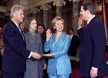 Hillary Clinton va cau chuyen thoi trang qua nhung thang tram - Anh 8
