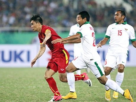 TRUC TIEP Viet Nam - Indonesia: Xuan Truong da chinh cung Trong Hoang (Hiep 1) - Anh 1