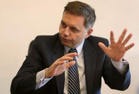 EU nhat tri trung phat them cac quan chuc va to chuc cua Crimea - Anh 1
