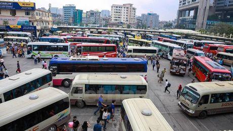 Ha Noi dao 40.000 luong tuyen xe khach: Roi nhu canh he! - Anh 1