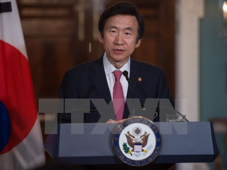 Ngoai truong Han Quoc: Ong Trump se duy tri chinh sach ve Trieu Tien - Anh 1