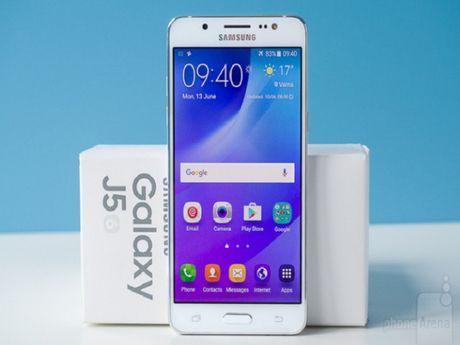 Samsung Galaxy J5 bat ngo phat no - Anh 1