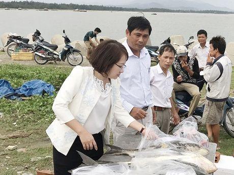 Quang Ngai: Nu Bi thu huyen va chuyen 'khoi xuong' ban ca giup dan - Anh 1
