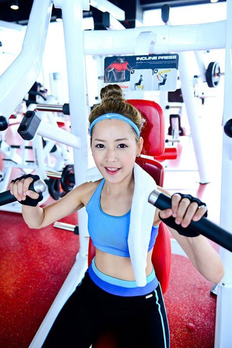 Hot girl Viet 'sexy muon phan' trong phong tap gym - Anh 6