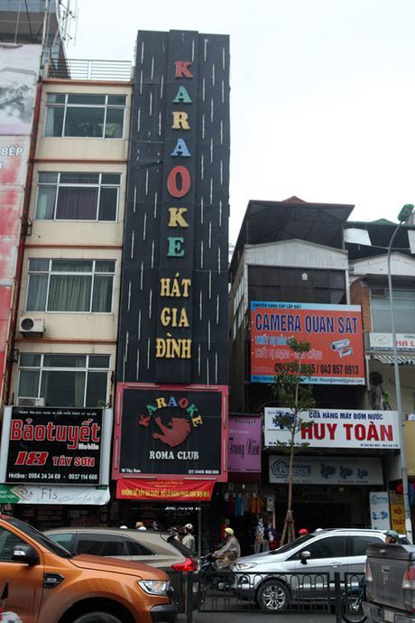 HN: Bien quan karaoke 'khung' nhan nhan khap pho - Anh 1