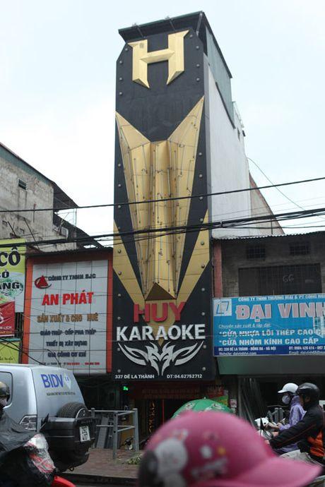HN: Bien quan karaoke 'khung' nhan nhan khap pho - Anh 7