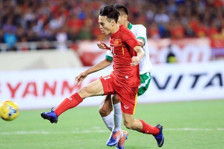 Cong Phuong, Van Toan lap cong, DT Viet Nam nguoc dong thang Indonesia - Anh 1