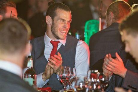 Bale nam thu 4 lien tiep la 'Cau thu xuat sac nhat Xu Wales' - Anh 1
