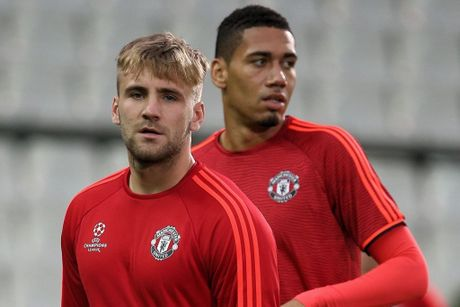 Jose Mourinho can han che tao song ngam tai M.U - Anh 1