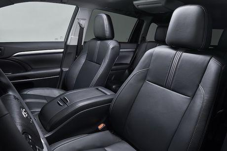 SUV Toyota Highlander 2017 'chot gia' tu 680 trieu dong - Anh 4