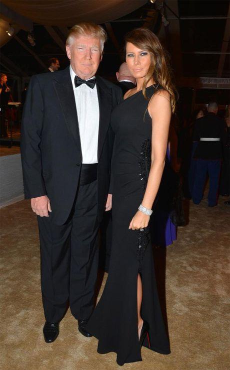 Ngam trang phuc trang nha cua vo ong Donald Trump - Anh 11
