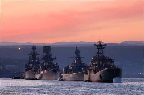 Crimea an toan hon bao gio het voi hai vu khi nay - Anh 1