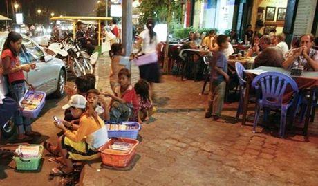 Tiet lo ve 'Tho san' tre em duong pho o Phnompenh - Anh 3