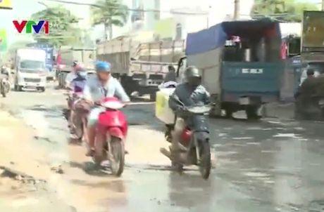 "Nguy hiem rinh rap tu con duong ""tu than"" tai TP.HCM - Anh 1"