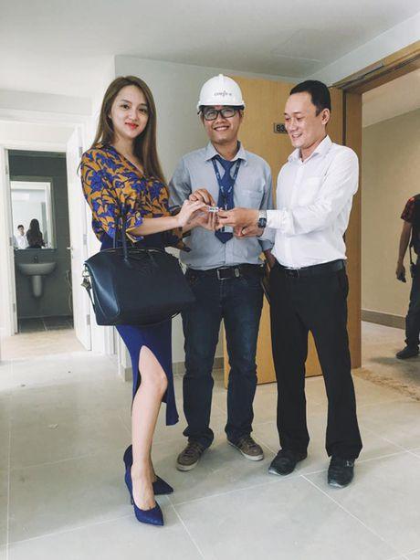 Sao Viet 9/11: Elly Tran co not ruoi 'my nhan', Huong Giang tau nha tien ty o tuoi 25 - Anh 4