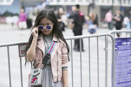 Lau lam roi gioi tre Ha thanh moi dien street style chat den the - Anh 9