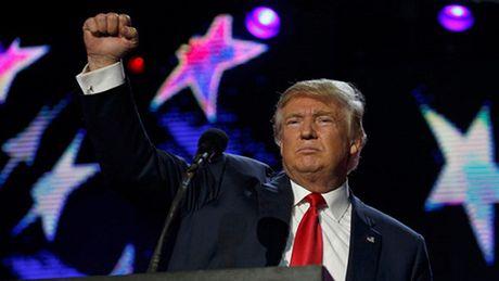 Ong Trump dat banh an mung, chuan bi dien van chien thang - Anh 1