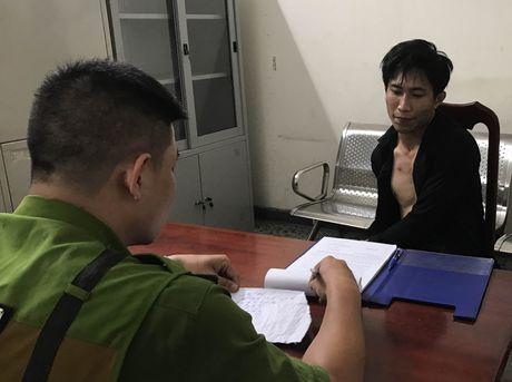 Trung si Cong an quat nga ten cuop giat tai san manh dong - Anh 1