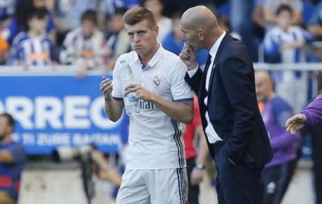 Kroos nghi 2 thang, Real lay gi da derby & El Clasico - Anh 1