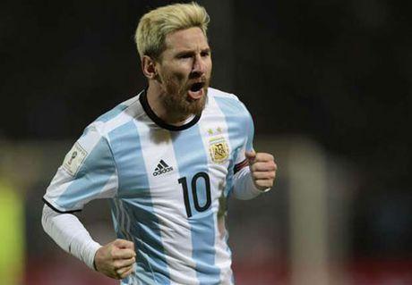 Messi thang hoa o Barca, nhung kho cuu Argentina - Anh 2