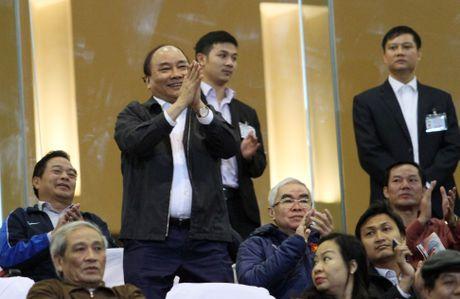 Thay tro Huu Thang ghi diem trong tran dau Thu tuong Nguyen Xuan Phuc du khan - Anh 2
