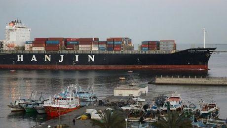Hang tau Hanjin pha san bo lai hon 4.100 container rong o Viet Nam - Anh 1