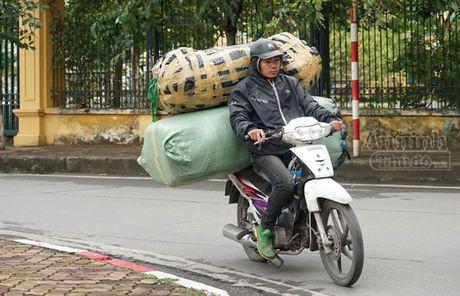 Nguoi Ha Noi co ro trong dot lanh sau dau mua dong - Anh 3