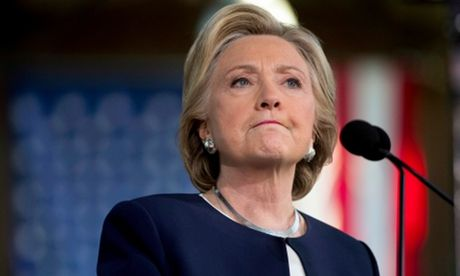 Khong khi soc, cam chiu bao trum dai ban doanh Hillary Clinton - Anh 1