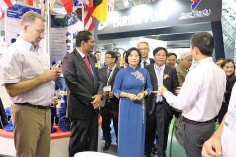 Thu truong Phan Thi My Linh tham du trien lam Vietwater 2016 - Anh 3