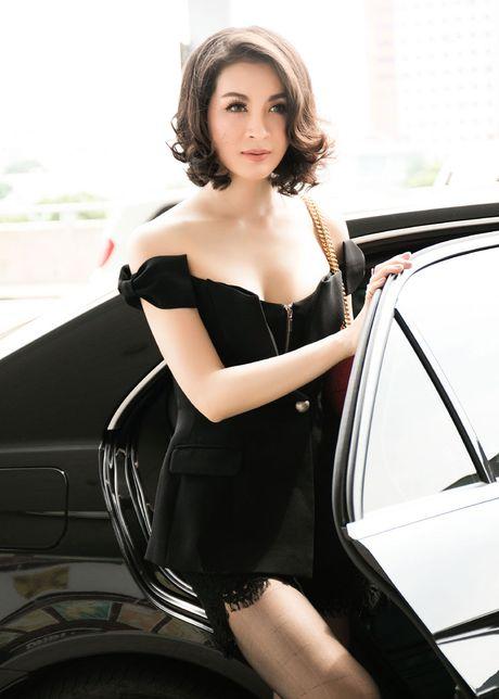 Mac vay cuc ngan, ho bao, Thanh Mai 'thach thuc' tuoi 43 - Anh 3