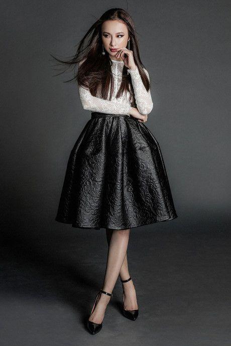 Angela Phuong Trinh tung anh 'nong bong' voi dam ren mong manh - Anh 4