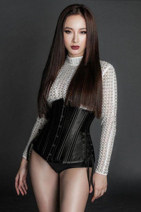 Angela Phuong Trinh tung anh 'nong bong' voi dam ren mong manh - Anh 5