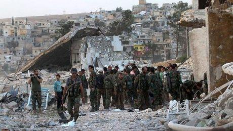 Quan doi Syria gianh quyen kiem soat khu vuc trong yeu o Aleppo - Anh 1