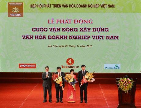 "Vietcombank huong ung cuoc van dong ""Xay dung van hoa doanh nghiep Viet Nam"" do Thu tuong Chinh phu phat dong - Anh 1"