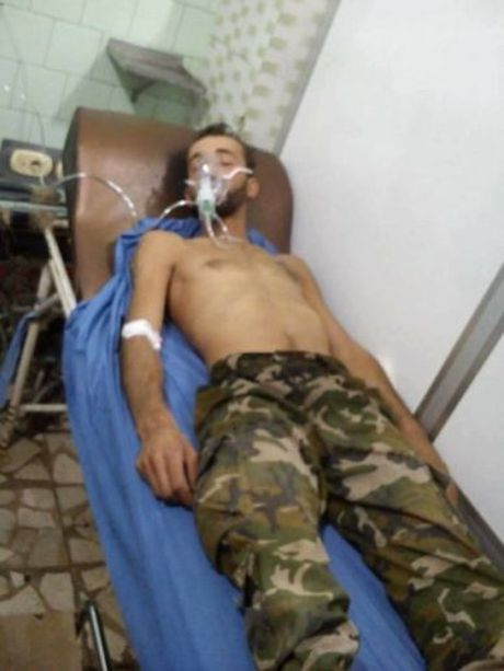 Chien su Syria: Phien quan dung vu khi hoa hoc tan cong quan chinh phu - Anh 2