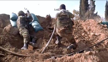 Quan doi Syria vay chat thi tran ban le ngoai vi Damascus - Anh 1
