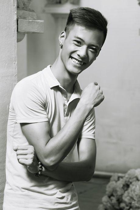 Chan dung chang trai Ha Thanh co giong hat giong het Tuan Hung - Anh 3