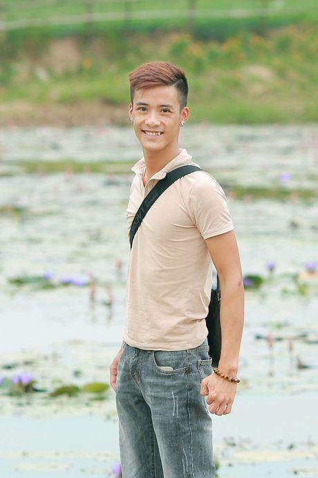 Chan dung chang trai Ha Thanh co giong hat giong het Tuan Hung - Anh 6