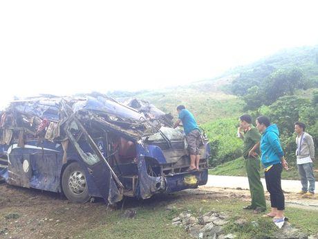 Vu xe khach lao xuong vuc, 16 nguoi thuong vong o Quang Nam: 2 nan nhan tu vong quoc tich Na Uy - Anh 2