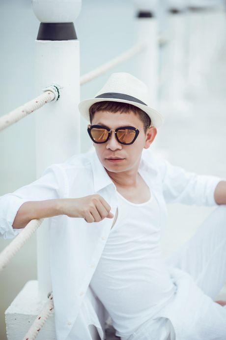 Chuyen gia trang diem Tuan Tu lan san ca hat Bolero - Anh 2