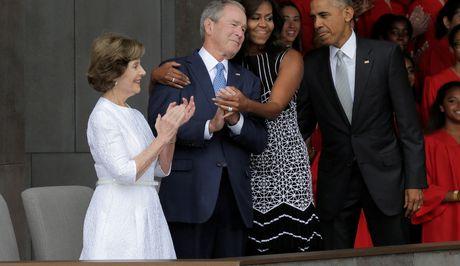 Bush khong bau cho Trump, cung khong bau cho Clinton - Anh 1