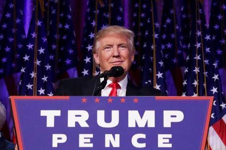 Ba Clinton dien thoai chuc mung ong Trump - Anh 1