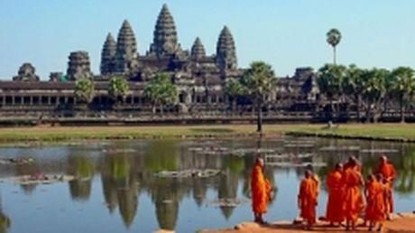 Campuchia cam may bay khong nguoi lai tren khu vuc den Angkor Wat - Anh 1