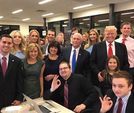 Cu tri an mung chien thang cua ong Donald Trump - Anh 6