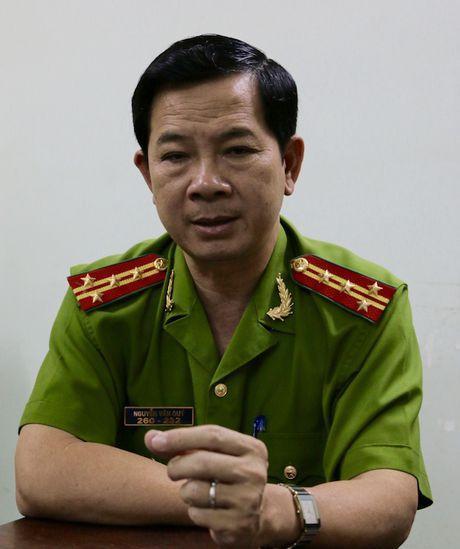 Vu quan Xin Chao: Dai ta Quy bi cach het chuc vu trong Dang - Anh 1