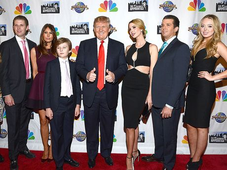 Tong thong Donald Trump va cach day con cuc ki dac biet - Anh 1